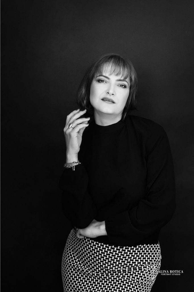 adriana ionescu sedinta foto portret cadou alina botica fotograf portrete in bucuresti