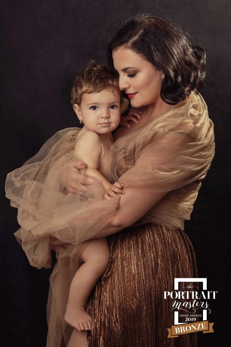 alina-botica-fotograf-portret-premii-master-awards-mama-fiica-1
