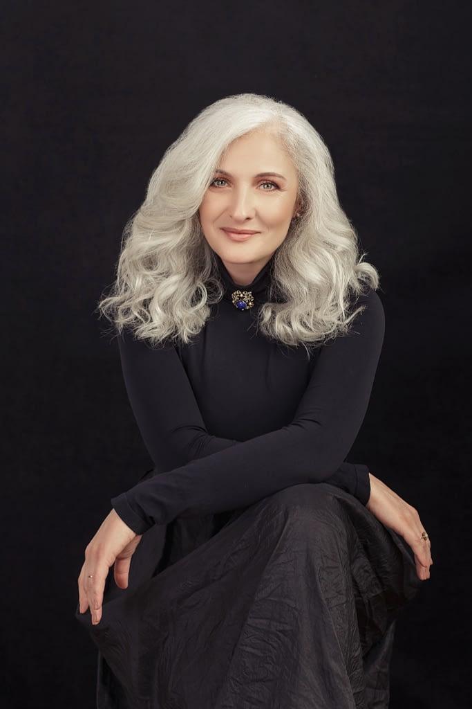 monica barbulescu 50 ani fotografie de fotograf portret alina botica din bucuresti