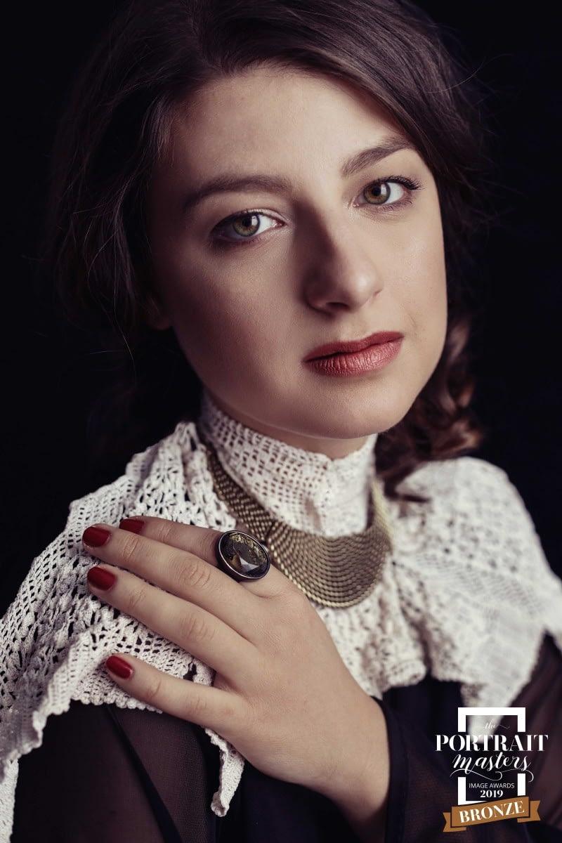 alina-botica-fotograf-portret-premii-master-awards-5